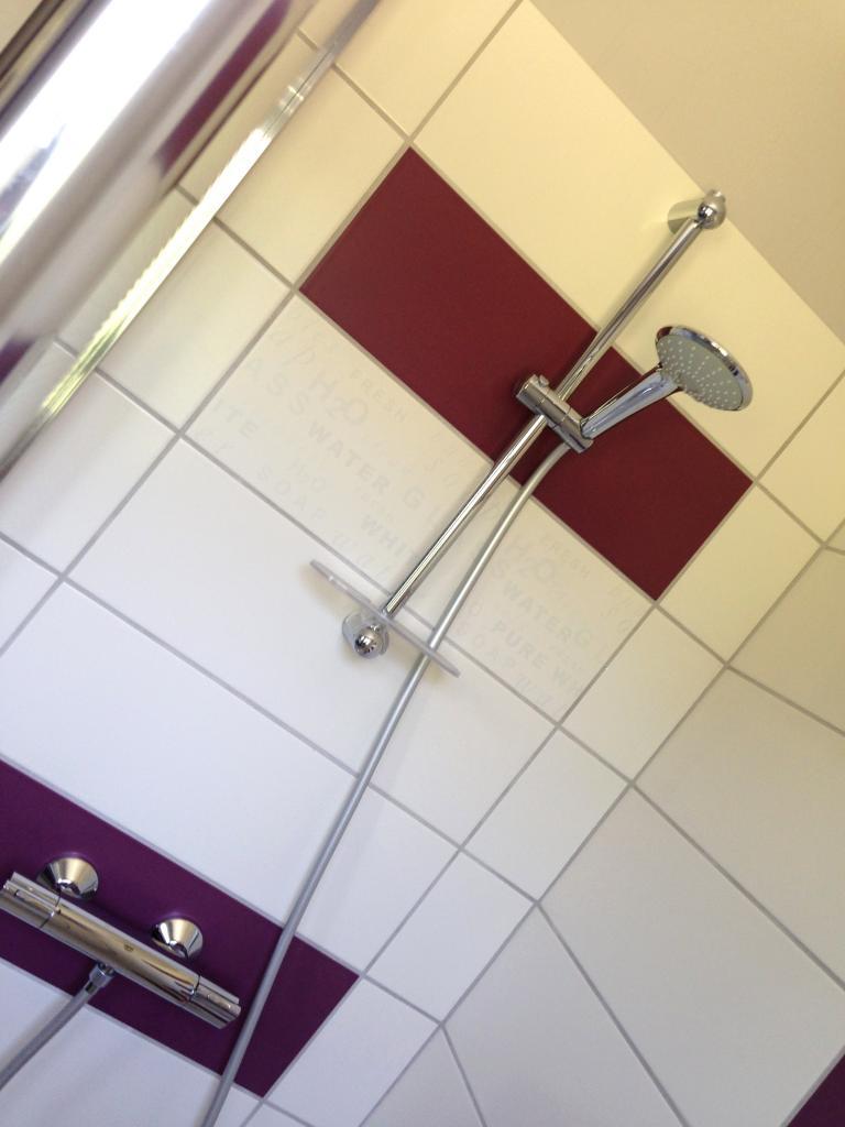 Salle d'eau avec douche à l'italienne (rénovation 2015)