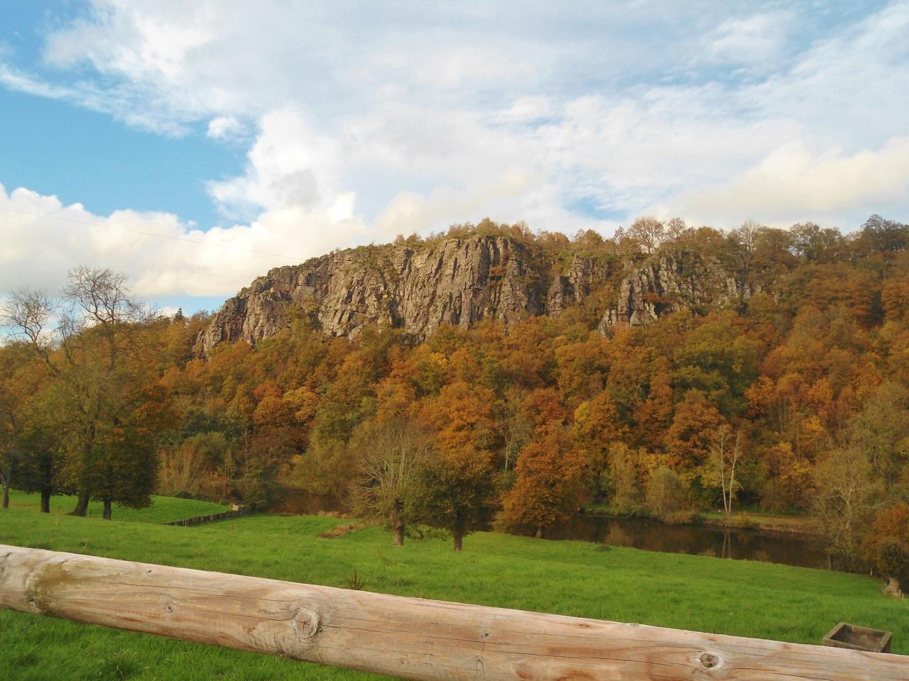 Les rochers en mode automne