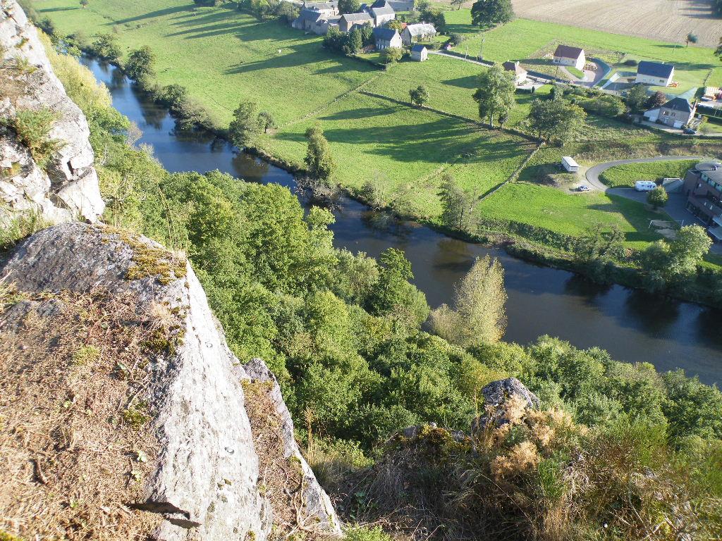 Le village du haut des rochers.